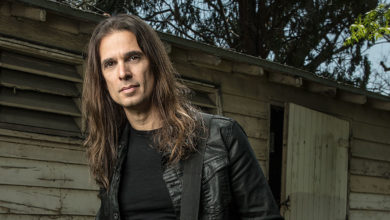"Photo of KIKO LOUREIRO lança o seu quinto álbum solo, intitulado ""Open Source"""