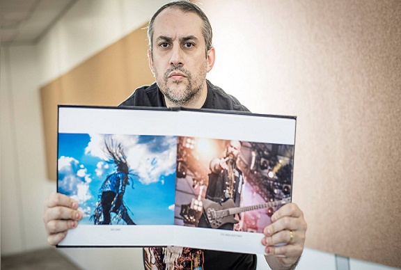 Exposição Fotográfica Com Trastes com FERNANDO PIRES