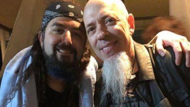 Photo of Mike Portnoy e Jordan Rudess se juntam no palco durante o 'Cruise To The Edge'
